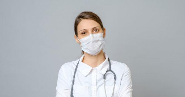 orvos, aki a visszéreket kezeli, ahogy mondják)
